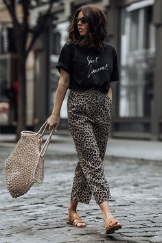 embrace trendy animal prints 31 fabulous outfit ideas for every day in august purewow summer fashion style streetstyle - The world's most private search engine Fashion Mode, Look Fashion, Womens Fashion, Fashion Trends, Feminine Fashion, Fashion Ideas, Fashion Styles, Beach Fashion, Fashion 2016