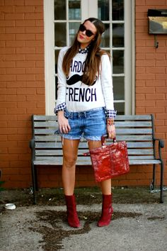 With jeans instead of shorts and love the hair!