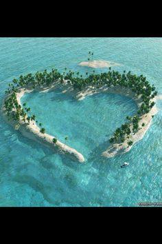 """Une Splendide """"Île"""",  en forme de """"cœur"""", Rien que pour le plaisir des yeux....."""