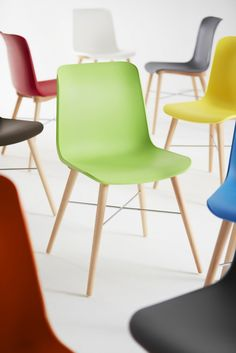 Laurel Breakout Chair - Product Page: http://www.genesys-uk.com/Laurel-Breakout-Chair.Html  Genesys Office Furniture Homepage: http://www.genesys-uk.com  The Laurel Breakout Chair is perfect for adding a modern pop of colour to any area.