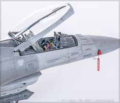Military Weapons, Military Aircraft, Airplane Design, F 16, Tamiya, Scale Models, Planes, Fighter Jets, Hobbies