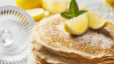 The story of Pancake Day and how Shrove Tuesday is celebrated in Britain. Buttermilk Pancakes Fluffy, Tasty Pancakes, Protein Pancakes, Breakfast Pancakes, Protein Breakfast, History Of Pancakes, Best Pancake Recipe, Pancake Recipes, Buckwheat Pancakes
