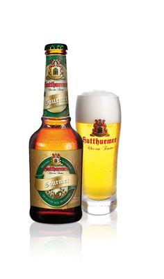 Brauerei Hutthurm, Gourmet   20 x 0,33 l Beers Of The World, Beer Bottle, Whiskey, Cool Designs, German, Clock, Glasses, Food, Gourmet