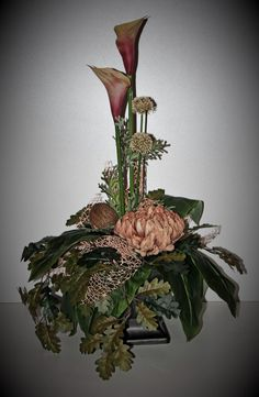 Grave Decorations, Funeral Flowers, Fall Flowers, Ikebana, Floral Arrangements, Arts And Crafts, Christmas Ornaments, Holiday Decor, Plants