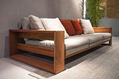 Pin by Eche Hern on Muebles Living in 2019 Diy Outdoor Furniture, Sofa Furniture, Pallet Furniture, Rustic Furniture, Furniture Design, Luxury Furniture, Wooden Couch, Wood Sofa, Diy Sofa