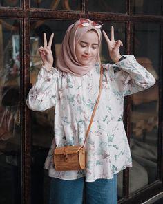 Pinned via #MrsRawabdeh #hijabfashion,