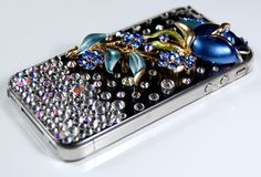Amazing Iphone case with rhinestones ! Style and originality with this Iphone 4 case