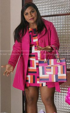 Mindy's pink geometric print dress and matching handbag on The Mindy Project. Outfit Details: https://wornontv.net/56934/ #TheMindyProject