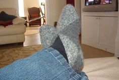 norwegian slippers, works with both crochet and knit. Great tutorial.