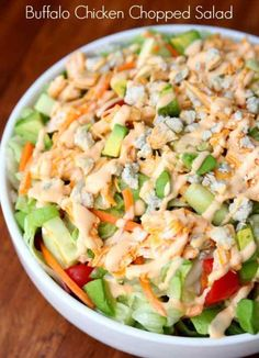 Diet Tips 15 Crazy Filling Keto Lunch Salads - This Tiny Blue House - Stay full for hours by preparing one these delicious crazy filling keto lunch salads. Great for lunch or dinner, these salads make great keto meal ideas. Chopped Salad Recipes, Summer Salad Recipes, Summer Salads, Chopped Salads, Salads For Lunch, Summer Food, Clean Eating, Healthy Eating, Comida Keto