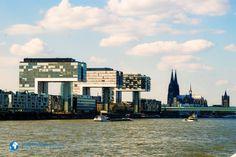Die Panorama-Schifffahrt auf dem Rhein lädt zum Kennenlernen der Stadt aus ungewohnter Perspektive ein. Unsere Autorin Shirani ist mitgefahren. Wer Köln besucht, kommt am Rhein...