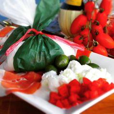 Burrata....che c'è di meglio??? assolutamente nulla! #Salento ci manchi.  #puglia #italy #italia #apulia #apulien #suditalia #food #foodporn #instafood #foodgasm #foodie #instafoodie #amazing #like #love #madeinitaly #bestoftheday #green #white #red #italian #italiano #vino #wine #instagood #bestpics #pic #picoftheday