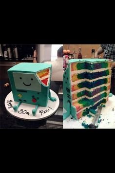 """Amazing BMO Adventure Time Birthday Cake Has a Colorful Surprise on the Inside! ON the bottom its says, """"Happy Pen!"""" Pen is the creator of Adventure time! Adventure Time Cakes, Adventure Time Parties, Adventure Time Birthday Party, Adventure Time Costume, Beautiful Cakes, Amazing Cakes, Abenteuerzeit Mit Finn Und Jake, Robot Cake, Cakes For Boys"""