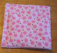 How To Make a Baby Rag Quilt - Tutorial - Creations by Kara Flannel Rag Quilts, Baby Flannel, Baby Rag Quilts, Easy Sewing Projects, Sewing Hacks, Sewing Ideas, Sewing Tips, Diy Projects, Girls Rag Quilt