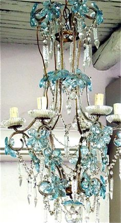 Shabby chic blue chandelier- love the turquise Turquoise Chandelier, Turquoise Glass, Azul Tiffany, Tiffany Blue, Lustre Vintage, Vintage Art, Do It Yourself Design, Light In, Lights