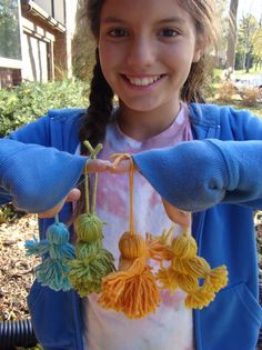 Sweet yarn dolls - I remember making these when I was young! from Spud  Chloe