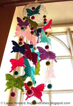 I see these mobiles and it makes me want to combine the ideas to make one really terrific mobile for Cedes' room. Mobiles make suck nice decorations and a great DIY! Felt Crafts, Diy And Crafts, Crafts For Kids, Arts And Crafts, Paper Crafts, Felt Diy, Butterfly Mobile, Butterfly Party, Butterfly Felt