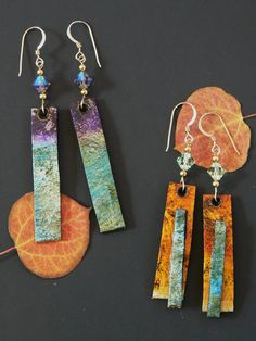 make out of thick d covered with tp and painted white upper layer is coffee filter/watercolor recycled paper earrings by Melissa Lanitis Gregory Paper Bead Jewelry, Paper Earrings, Textile Jewelry, Fabric Jewelry, Paper Beads, Clay Jewelry, Jewelry Crafts, Jewelry Art, Jewelry Ideas