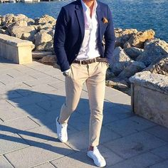 Wedding Suits Stylish 30 Stylish Business Outfit Ideas For Men - The first step to addressing business casual for men is to get an idea as to what it means to […] Business Casual Men, Business Outfits, Business Wear, Blazers For Men Casual, Casual Suit, Casual Blazer, Wedding Guest Men, Wedding Beach, Trendy Wedding