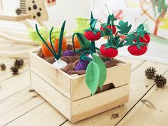 Felt play food Garden wood box