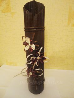 Beautiful vase made of newspaper, step by step picture instructions.