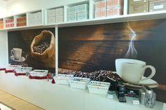 Caffè di Pulcinella è un marchio del Gruppo ZeroDb società napoletana specializzata nella distribuzione di caffè in Cialde e Capsule.