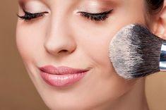 É cada vez mais comum ter problemas de pele ou alergias decorrentes do uso de produtos de maquiagem, veja nossas dicas de como evitar alergias à maquiagem!