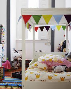 Un letto è anche una perfetta area di gioco - IKEA