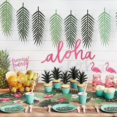 "91 Likes, 8 Comments - Krista | Pretty Paper Studio (@prettypaperstudio) on Instagram: ""What a cute setup for a fun tropical party! ⠀ : @festi.fr⠀"""