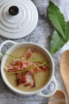 Due bionde in cucina: Crema di patate con speck Chowder Recipes, Soup Recipes, Healthy Recipes, Italian Soup, Italian Recipes, Beef Tagine, Confort Food, Slow Food, World Recipes