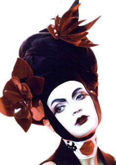 Vogue British Editorial Neo Geisha, June 2011 Shot #3