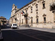 Sicilia- Militello in Val di Catania by Kalsa (m.a.mondini), via Flickr #InvasioniDigitali domenica 28/04/2013 ore 09:00