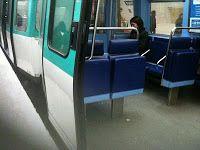 OTH 854 - Strapontins dans le métro.
