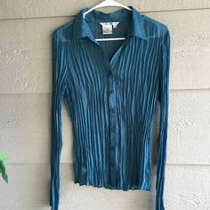 CLEARANCE M Teal Crushed Pleat Long Sleeve blouse
