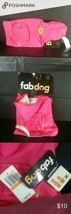 Fab Dog Crab Raincoat Hot Pink Fab Dog Crab Raincoat ? Hot Pink, size Small, 100% Waterproof Nylon Shell, Velcro Closure, Mesh Lining, Adjustable Toggle Hood, Pale Pink, Edgy Skull Detail, Convenient Hole for Collars and Lead, Folds Up into Front Pocket for Easy Travel, $34.00 retail price value, comes new with tags as closeout item in good cosmetic condition. Fab Dog  Other