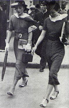 Japan. Moga, modern girls (flappers) in the Taisho era, 1930s