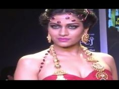 IIJW Fashion Show: HOT Models Skin Show During the Ramp Walk on Day One ...