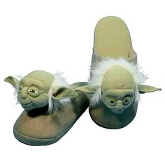 Star Wars Yoda Slippers - Comic Images - Star Wars - Slippers at ...