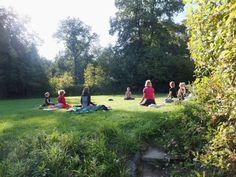 Meditativt yoga retreat i den grønne skov   3. - 5. juli og 31. juli - 2. august 2015 - Tilbring en weekend midt i den grønne skov, dyrk yoga og meditation og lær teorien bag yogaens 8 trin.