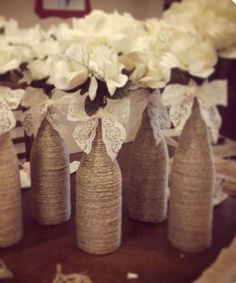 21 Beautiful Wine Bottle Centerpieces You Can Make For Your Wedding #DIYRusticWeddingwinebottles