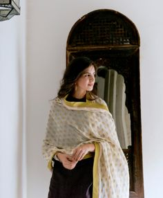Woven using very fine handspun yarn and embellished with traditional handloom butah (floret) motifs, this collection of stoles celebrates the delicate texture Chanderi is revered for. Available at our Khan Market, Select Citywalk and Raghuvanshi Mills boutiques. #GoodEarthSustain #WeavesOfIndia #SustainableLuxury