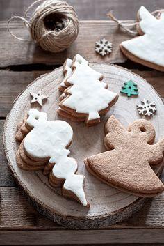 Biscotti Pan di Zenzero ( ricetta Montersino ) - Madame Gateau White Christmas, Christmas Time, Christmas Ideas, Xmas, Christmas Baking, Christmas Cookies, Cacao, Holiday Desserts, Barrette