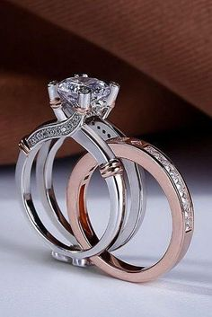 21 Amazing Bridal Sets For Any Style 30 Amazing Bridal Sets For Any Style ❤️ bridal sets two tone bridal sets unique engagement rings diamond engagement rings wedding ring sets for woman best engagement rings ❤️ See more: ohsoperfectpropos… Best Engagement Rings, Vintage Engagement Rings, Vintage Rings, Engagement Wedding Ring Sets, Top Vintage, Unique Vintage, Vintage Art, Morganite Engagement, Ring Verlobung