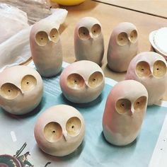 Check out this splendid pottery designs - what an inventive version Pottery Plates, Pottery Mugs, Ceramic Pottery, Pottery Art, Thrown Pottery, Slab Pottery, Ceramic Birds, Ceramic Animals, Ceramic Clay