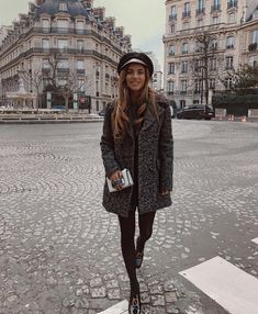 """10.2 m Gostos, 52 Comentários - OOTD Magazine (@ootdmagazine) no Instagram: """"Outfit of the day by @negin_mirsalehi - What do you love about this look?"""""""