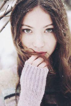 Winter senior picture ideas for girls. Winter senior pictures. Senior pictures girls winter. Winter senior photography. #winterseniorpictureideas #winterseniorpictures #seniorpictureideasforgirls by jo-jo <3