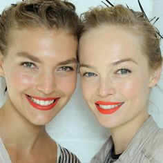 Jason Wu Backstage: Bright Lips Our makeup inspiration on grey, cloudy days. Wear with fresh skin, groomed brows and a touch of mascara. Neon Lipstick, Bright Lipstick, Bold Lips, Cute Makeup, Hair Makeup, Beauty Make Up, Hair Beauty, Latest Hair Trends, Bronze Skin