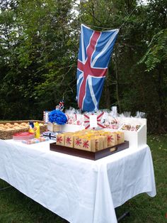 Keep Calm and Party On: A Teen Boy's Birthday Party #britishbirthday #boysweetsixteen #boybirthdayideas