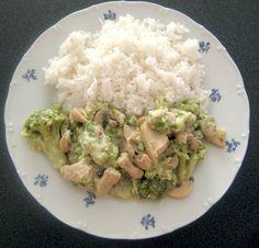 Brokolicu rozdelíme na ružičky a do 3/4 ju uvaríme v osolenej vode. Brokolica musí byť chrumkavá. Kuracie prsia narežeme na rezance, okoreníme ho... 20 Min, Gnocchi, Guacamole, Risotto, Potato Salad, Rice, Potatoes, Ethnic Recipes, Potato