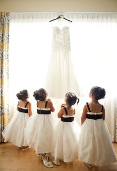 #Black #White #Wedding … ideas, ideas and more ideas about HOW TO plan a wedding ♡ https://itunes.apple.com/us/app/the-gold-wedding-planner/id498112599?ls=1=8